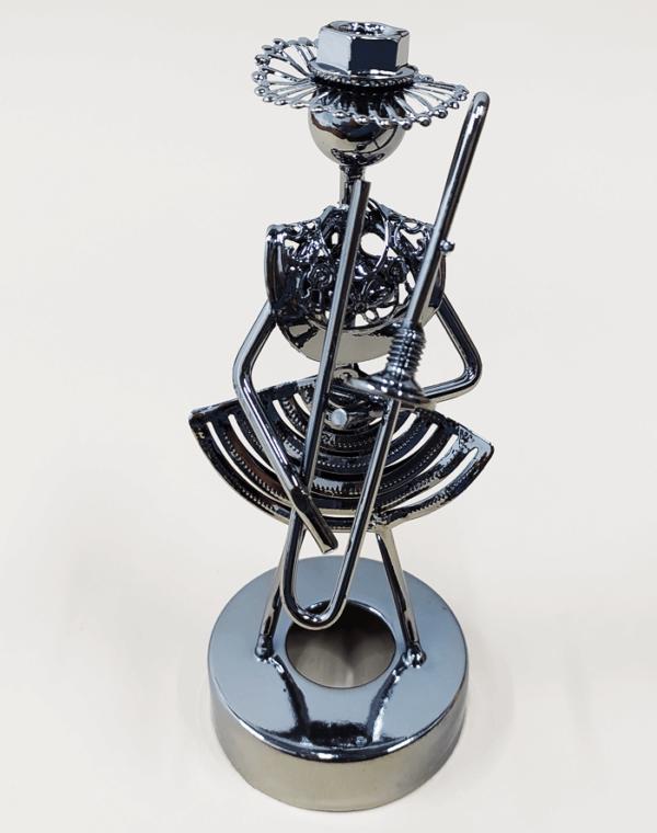 Figura decorativa metálica en forma de músico Trombón