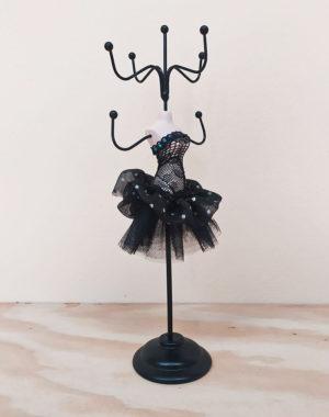 Joyero en forma de muñeca con vestido negro